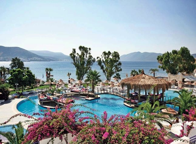 SALMAKIS BEACH RESORT & SPA